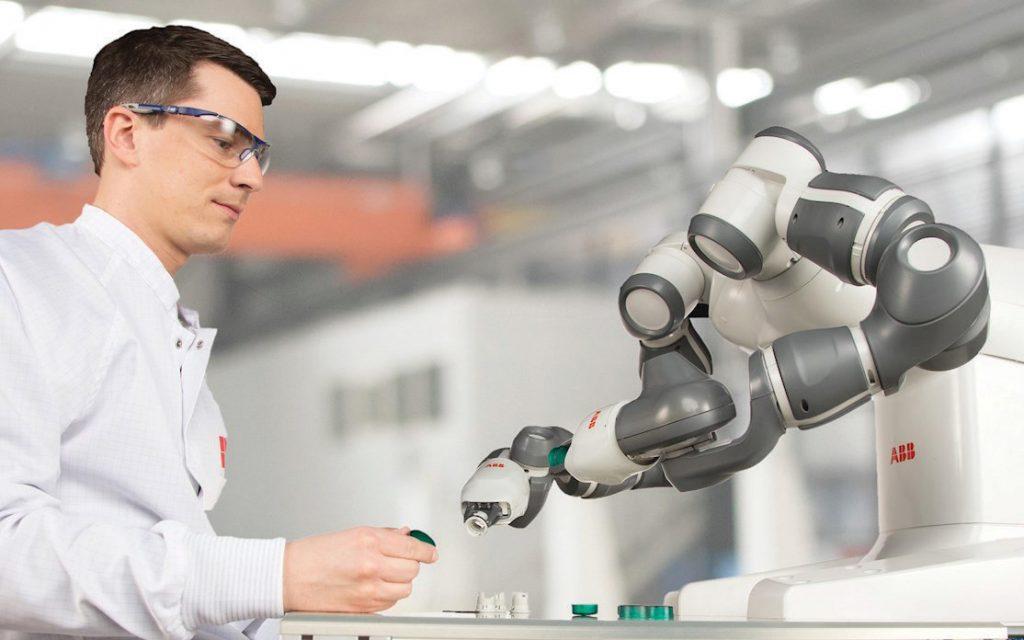 หุ่นยนต์ ABB