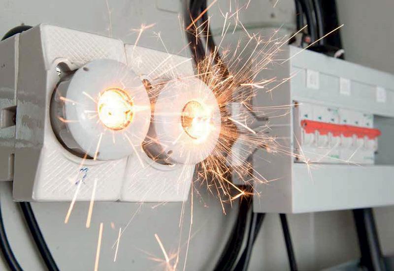 เพลิงไหม้จากไฟฟ้าลัดวงจรและแนวทางการป้องกัน