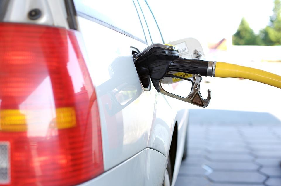 หนุนน้ำมันยูโร 5 ลดฝุ่น ผลักดันรถยนต์ EV ภาษี 0%