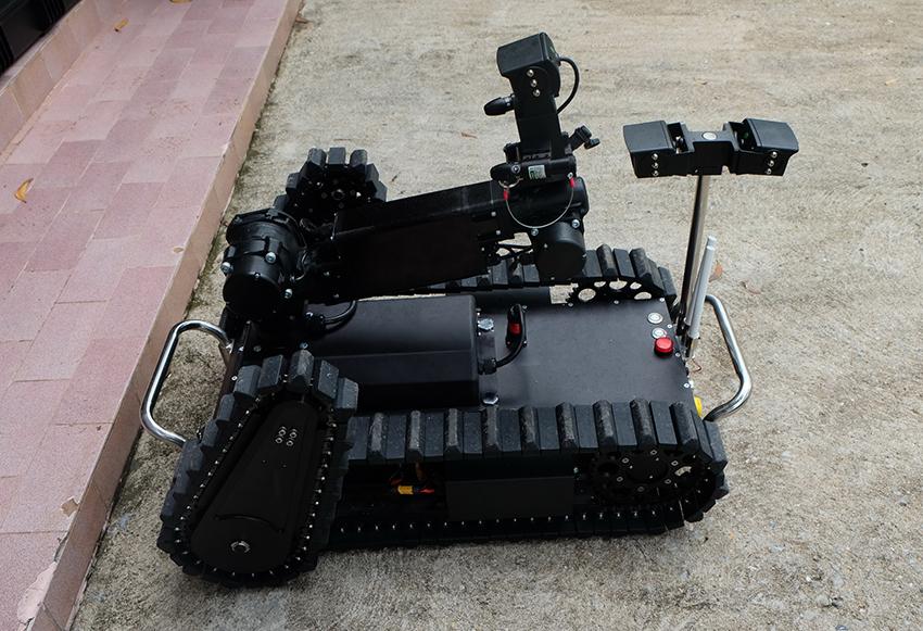 หุ่นยนต์ปืนยิงน้ำแรงดันสูง