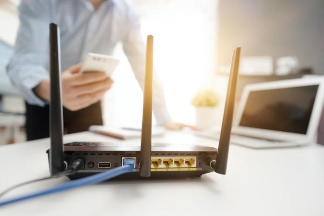 ตัวเลือกการเชื่อมต่ออินเทอร์เน็ตที่ได้รับความนิยมในอุปกรณ์อิเล็กทรอนิกส์ Wi-Fi มีประโยชน์ในการเชื่อมต่อด้วยความเร็วสูงและไร้สาย