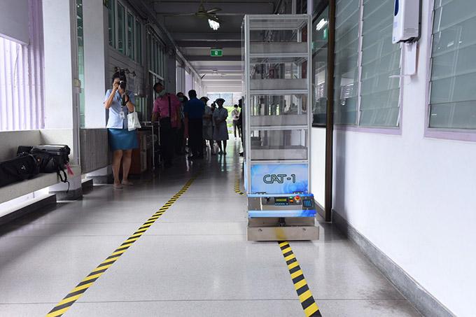 ITAP หนุนผู้ประกอบการ สร้างรถเคลื่อนที่อัตโนมัติ ขนส่งของอัตโนมัติให้ผู้ป่วยในโรงพยาบาลชลบุรี
