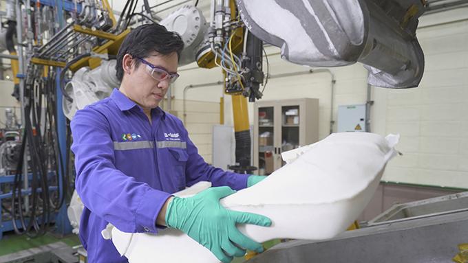 BASF เปิดศูนย์พัฒนาทางเทคนิคประจำภูมิภาคอาเซียนแห่งใหม่ ซึ่งมีเทคโนโลยีเครื่องปฏิกรณ์ผลิตพรีโพลีเมอร์ที่ทันสมัย
