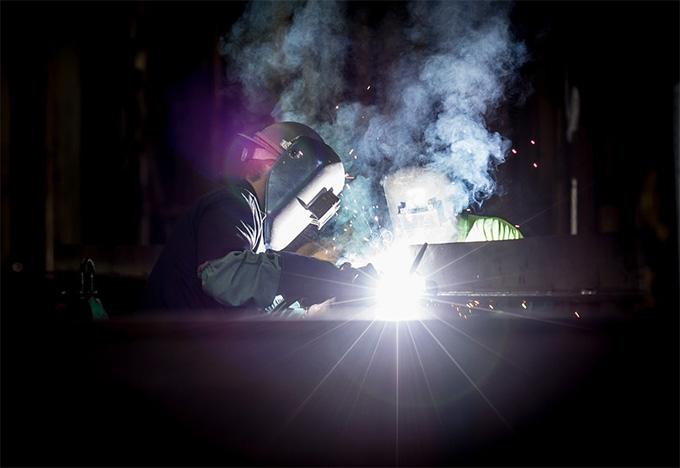 """""""ก.แรงงาน พร้อม"""" จัดโปรฝึกทักษะฟรี พัฒนายกระดับทักษะฝีมือแรงงาน สร้างงานหลังสิ้นโควิด-19"""