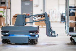 หุ่นยนต์ลากรถอัตโนมัติ MiR250 Hook